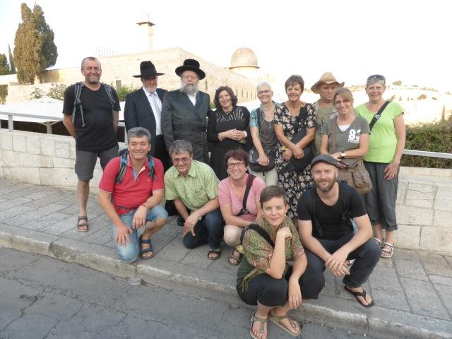 German tourists meet Orthodox holocaust survivors